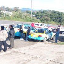 Gobierno de Veracruz intenta reprimir manifestación antorchista.