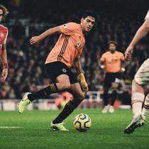 Raúl Jiménez le anota al Arsenal y rescata el empate