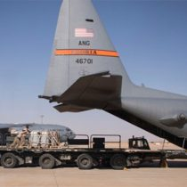 Lanzan cinco cohetes contra una base militar de EU en Irak