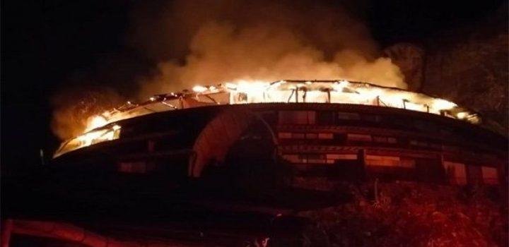Incendio en hotel en Valle de Bravo deja un bombero lesionado