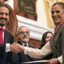 Recibe Beatriz Gutiérrez Müller plaza definitiva como docente BUAP