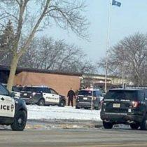 Tiroteo en escuela secundaria de Wisconsin deja dos heridos
