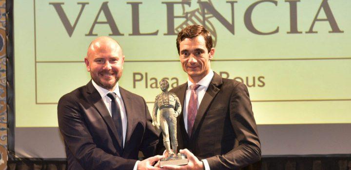 Paco Ureña recoge los premios como triunfador de la temporada en Valencia