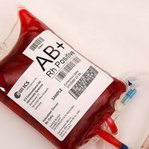 Pagan 12 mil dólares por 'sangre joven' y la promesa de rejuvenecer