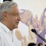 AMLO dice que México no puede parar por COVID-19: 'sufriríamos más'