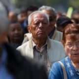 Alista decreto López Obrador para blindar a adultos mayores