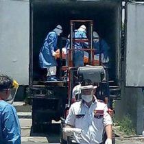 Almacenan cuerpos en tráiler en hospital de Iztapalapa