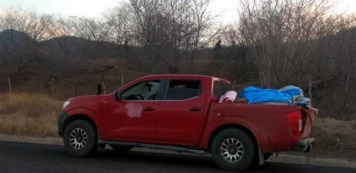 Hallan camioneta con 12 cuerpos en Michoacán