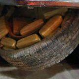 En plena crisis, el narco trafica en comida, autos, muebles