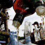 Suman más de un centenar de muertos por consumir alcohol adulterado