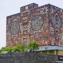 La UNAM descarta regresar a clases presenciales antes del 15 de junio
