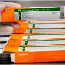 Tres vacunas contra Covid entran en fase final; resultados estarán en 6 meses