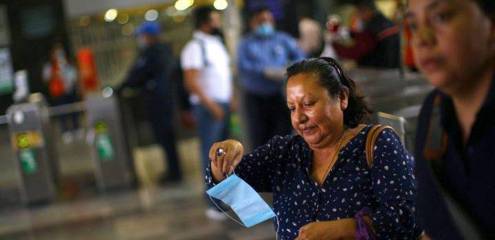 México roza los 500 mil casos de covid mientras sigue debate sobre cubrebocas