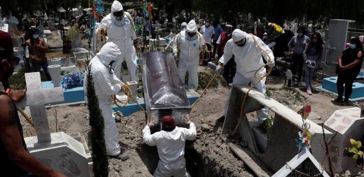 """México rebasa al """"escenario catastrófico"""" de las 60 mil muertes por Covid-19"""