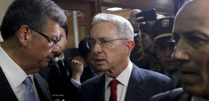 Ordenan detención domiciliaria contra el expresidente Álvaro Uribe