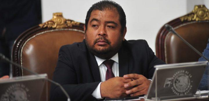 Diputado morenista pide a periodistas no indagar delitos