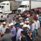 Campesinos amagan con tomar presas en Chihuahua