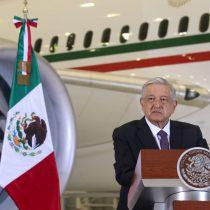AMLO graba comercial en el avión presidencial para la rifa