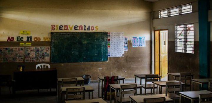 Educación online de SEP dejó 'fuera' a 55.7% de alumnos en México