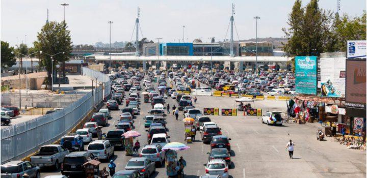 Extienden hasta septiembre restricción de viajes entre EU, México y Canadá