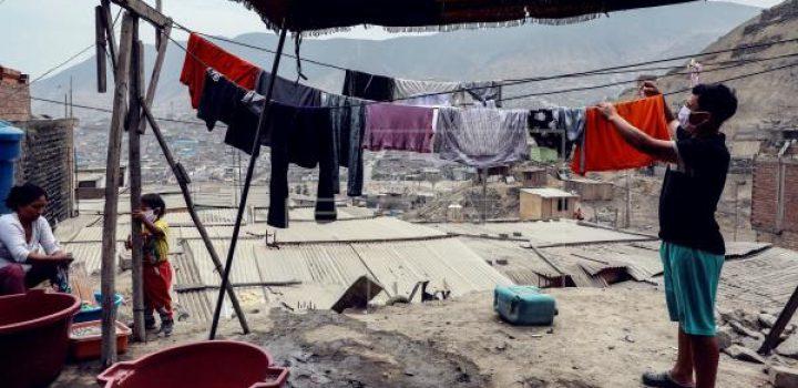 100 millones de personas caerán en pobreza extrema por Covid, alerta el BM