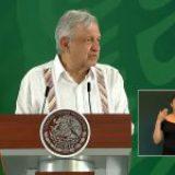 Lenguaje de señas de mañaneras de AMLO usa ofensas y frases incoherentes