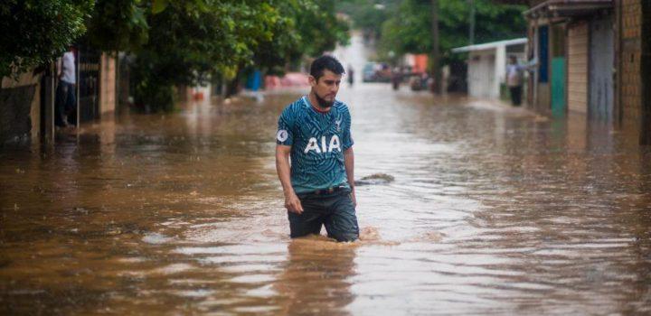 Oaxaca y Veracruz bajo el agua
