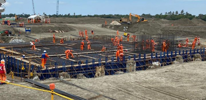 'Devoran' megaobras 24% de infraestructura