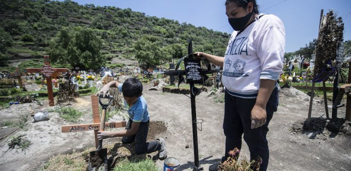 México suma 671 mil casos de Covid-19; hay 71 mil muertos