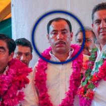 """Divulgan fotos de Barbosa junto con """"El Moco"""", presunto líder huachicolero"""