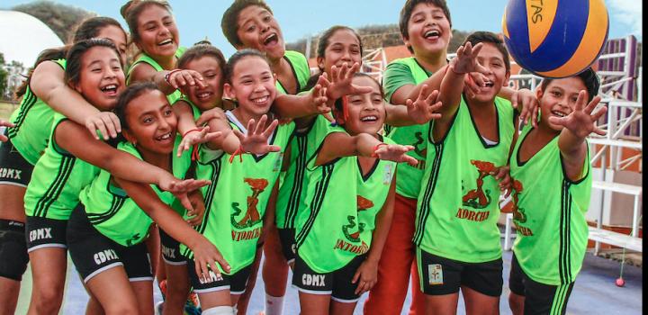 Ex árbitros, entrenadores y deportistas de México respaldan a Antorcha ante persecución política