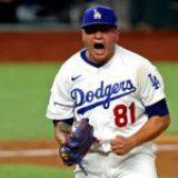 Dodgers, con brazos mexicanos, gana la Serie Mundial 32 años después