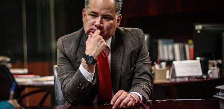 AMLO decidirá si compito por la gubernatura de Querétaro: Santiago Nieto
