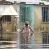 Tabasco se ahoga: el agua sigue subiendo