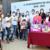 Alcaldesa morenista regala palas a madres para que busquen a desaparecidos