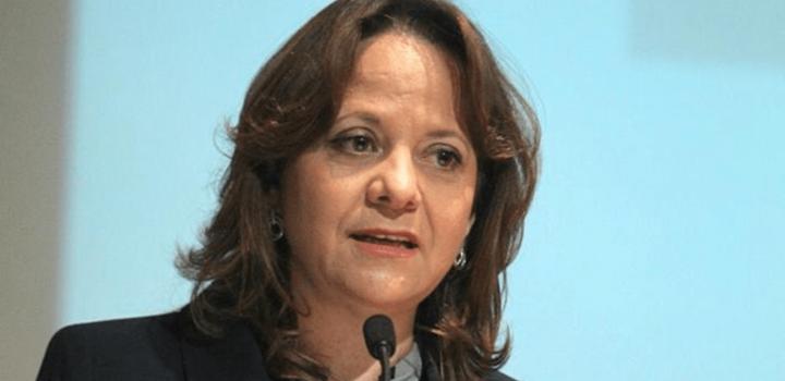 Acusan a la subsecretaria Martha Delgado de vacunación clandestina a funcionarios