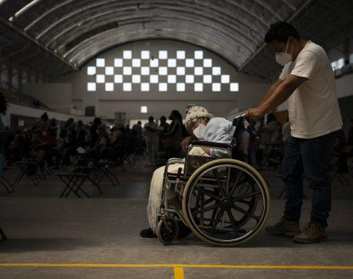 Desastre en segundo día de vacunación en Ecatepec