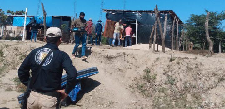 Gobierno de Nayarit desaloja a familias humildes