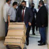 FGR entrega a diputados seis cajas con evidencia contra García Cabeza de Vaca