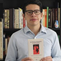 "Presentan libro ""De revolucionarios a pistoleros"""