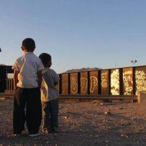 Más de 15 mil migrantes menores de edad están bajo custodia en EU