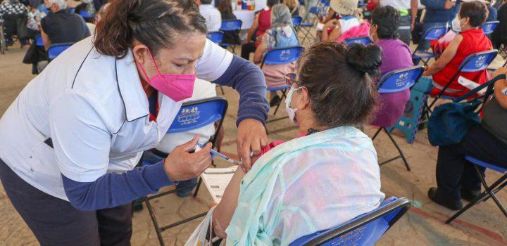 Chimalhuacán aplica 25 mil vacunas en un día