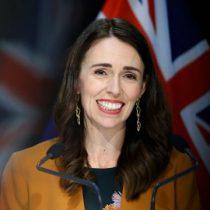 Nueva Zelanda sube impuestos a los ricos y aumenta el salario mínimo