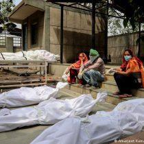 India supera de nuevo récord de positivos y muertes diarias y rebasa 17 millones de contagios de Covid-19