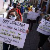 SCJN condena a una vida de miseria; golpea a jubilados