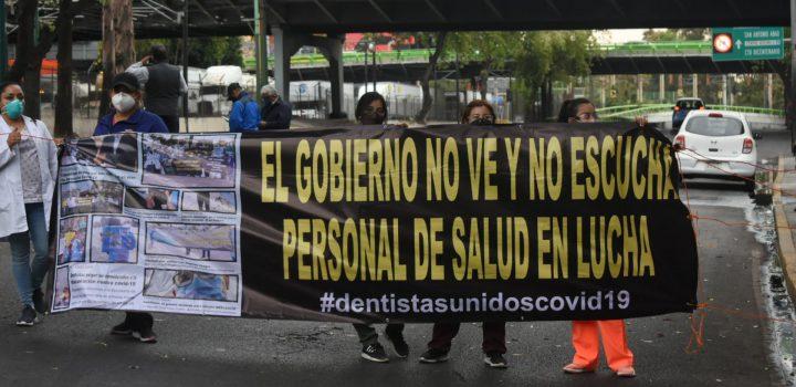 Gobierno Federal discrimina a médicos; niega vacunas contra Covid-19