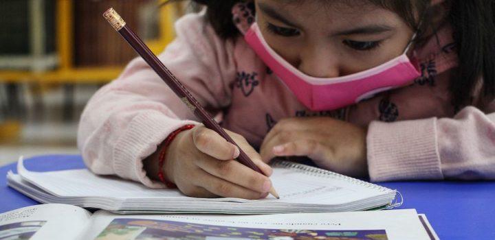 Uno de cada cuatro estudiantes en México piensa dejar la escuela: Ibero