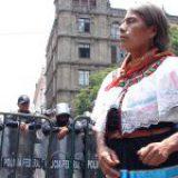 Mujeres de lengua indígena son más propensas a repetir ciclos de pobreza, asegura el Inegi