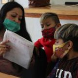 Regresar a clases sin vacunar a todos, trampa mortal