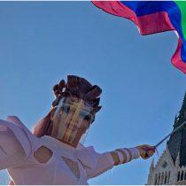 """Ley húngara contra """"promoción de la homosexualidad en menores"""" genera crisis con la UE"""